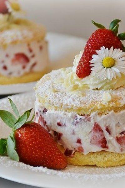 strawberries-1353274_640